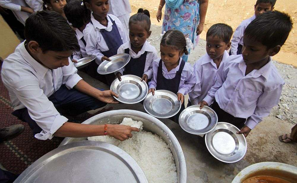 Girl died after consuming midday meal in Bilaspur school, 10 students ill